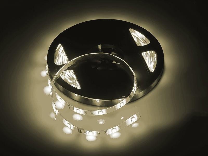 Bande-a-LED-5-m-avec-adaptateur-secteur